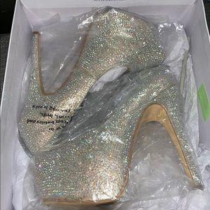 Steve Madden champagne studded heels
